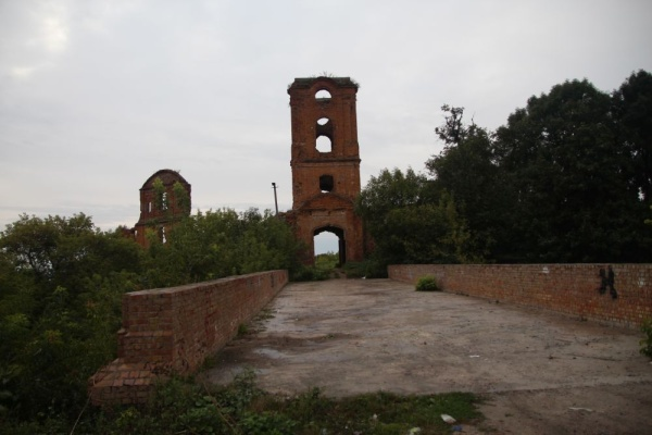 Ruins of the gate tower leading towards the castle in Korets