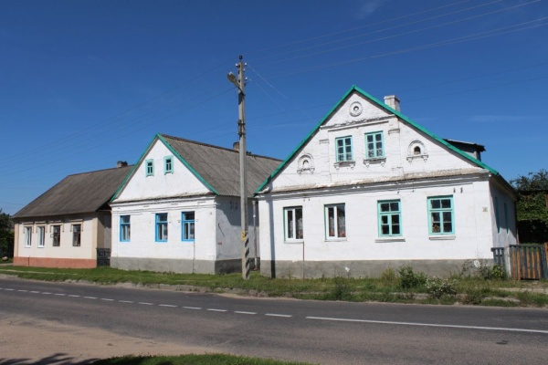 Pre-war houses at the former Jewish neighborhood of Ruzhany