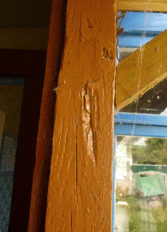 A trace of mezuzah at the door of Chaim Weizmann's house in Motal