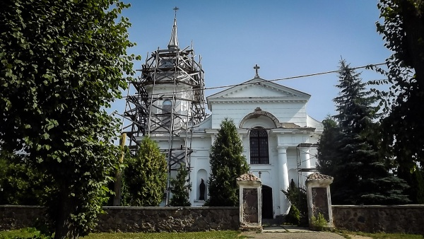 The Holy Trinity church in Indura (1815)