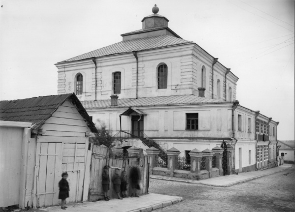 Dubno, the synagogue