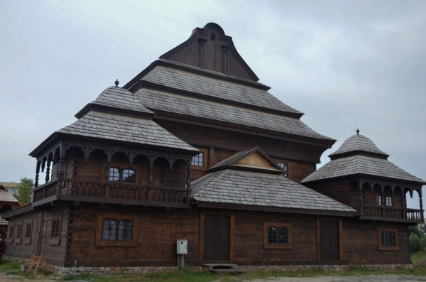 "Biłgoraj, ""The City on the Trail of Borderland Cultures"", a reconstruction of a wooden synagogue from Voupa"