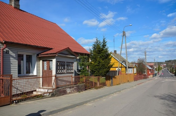 Krynki, wooden buildings in town