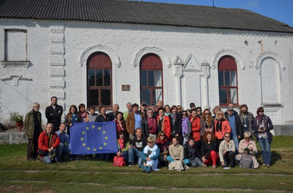 The participants of the on-road training on the cross-border route of Shtetl Routes in Żołudek